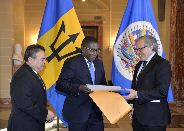 New Permanent Representative of Barbados to the OAS Presents Credentials  From left to right: Nestor Mendez, OAS Assistant Secretary General, Selwin Hart, Ambassador, Permanent Representative of Barbados to the OAS, and  Luis Almagro, OAS Secretary General