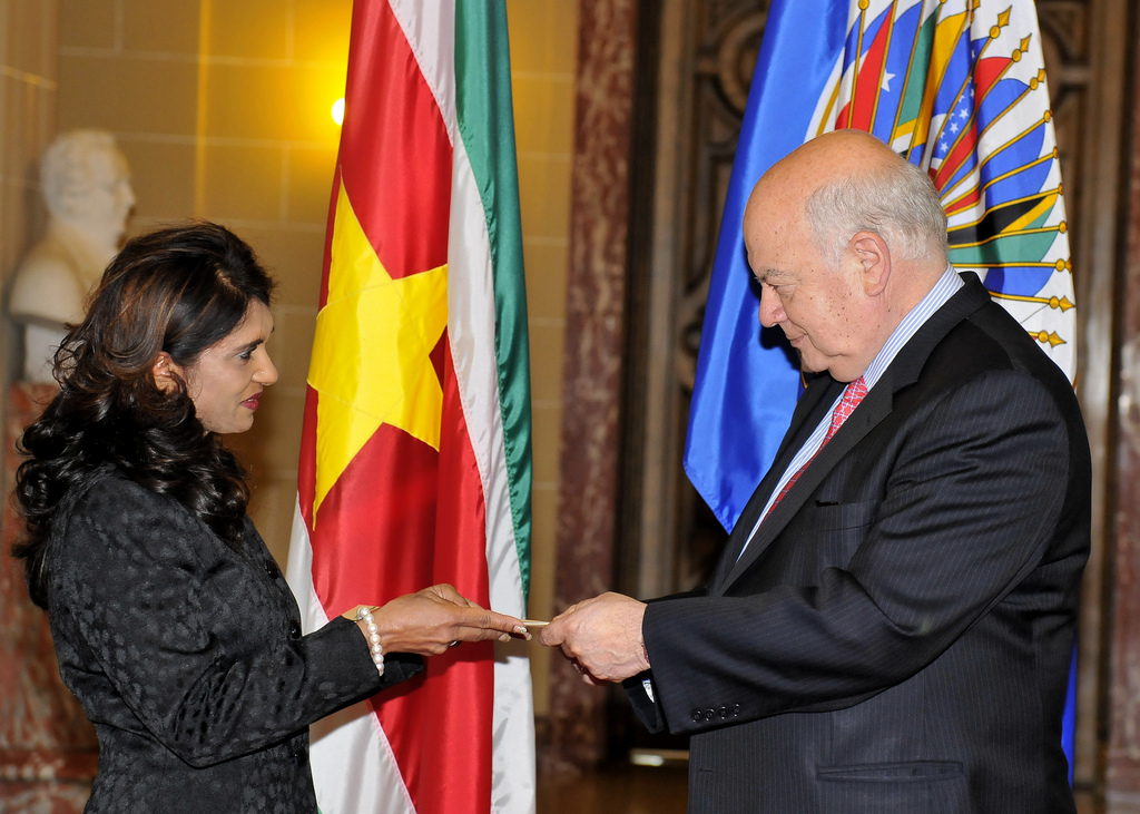 New Ambassador of Suriname presents Credentials