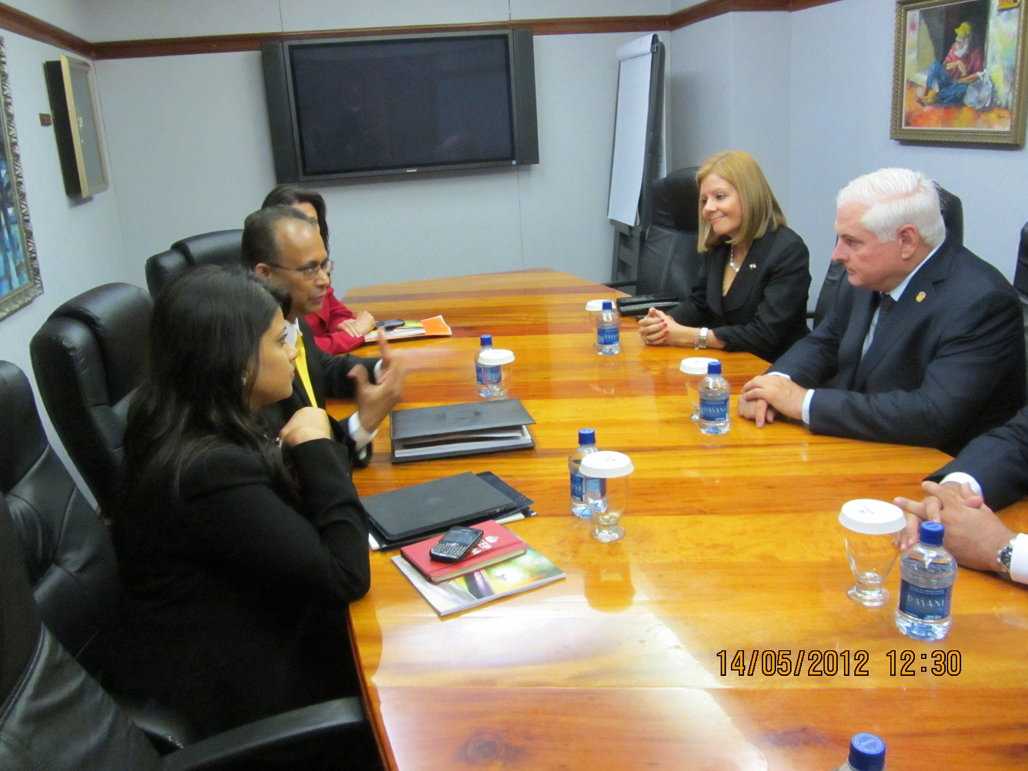 ASG Ramdin in bi-lateral discussions with President Ricardo Martinelli Berrocal of Panama on the first day of the Caribbean Investment Forum