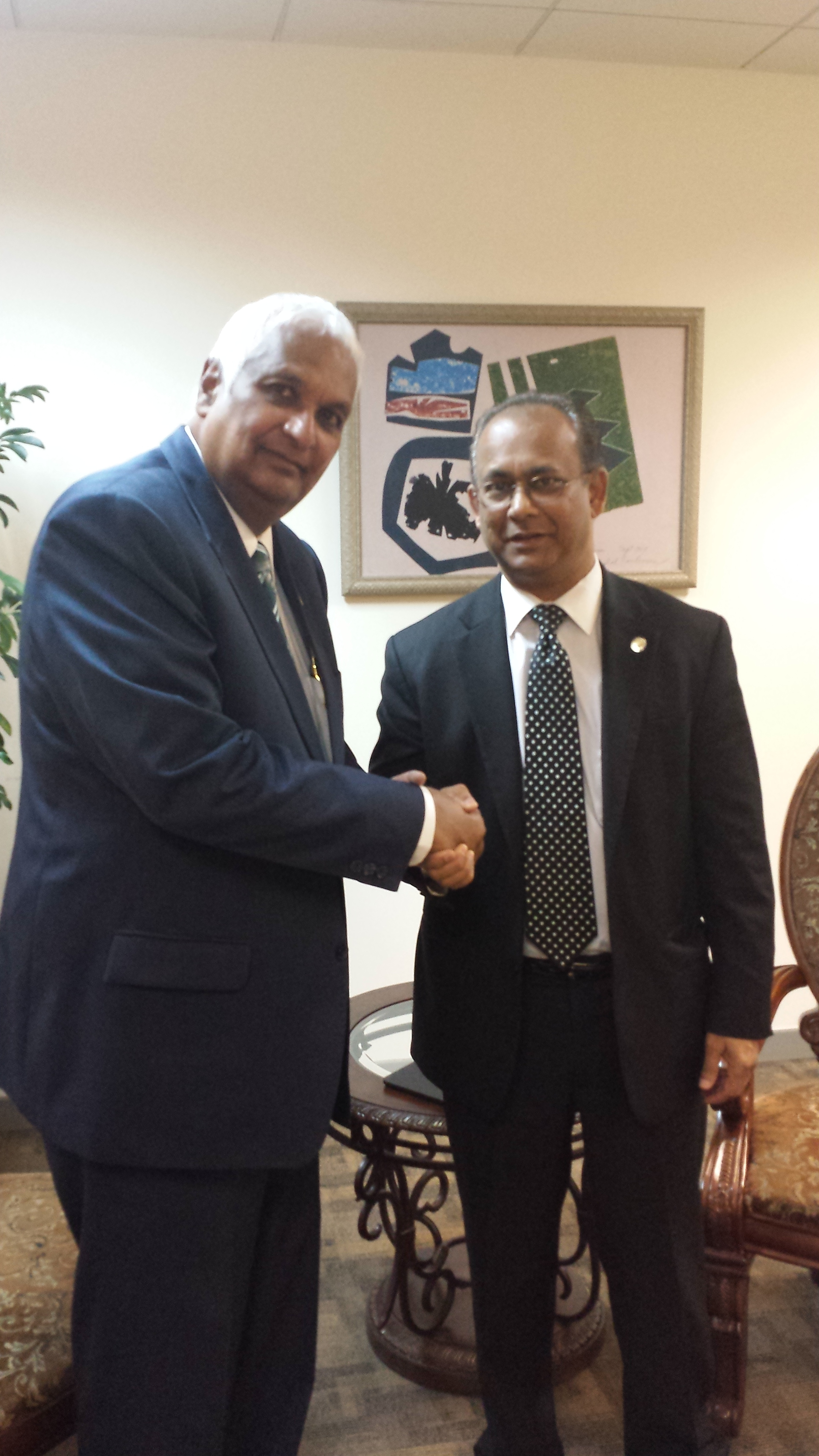 Ambassador Albert Ramdin meets with Hon. Winston Dookeran, Minister of Foreign Affairs of Trinidad and Tobago, during an official visit on February 16-18, 2014