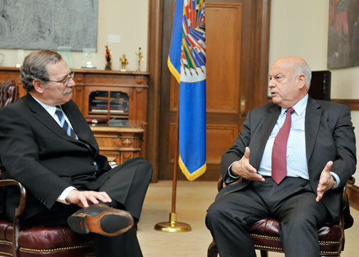OAS Secretary General Meets with Minister of Education of Uruguay