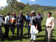 Commissioner Víctor Abramovich visits Pacoxom, accompanied by members of the Río Negro community.